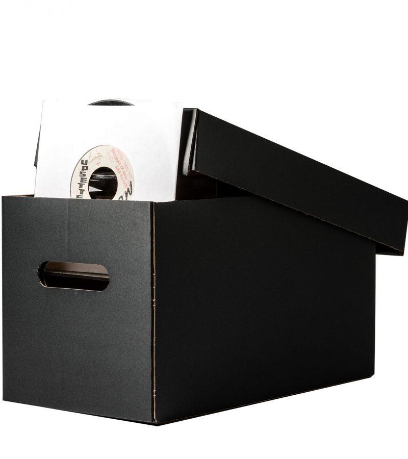 Singles_Box_Black_open